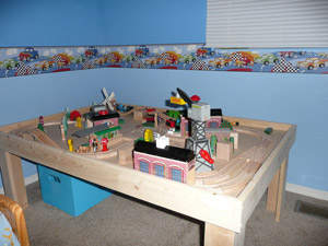 Custom Thomas the Train table : thomas train table set up - pezcame.com